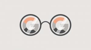 Briller med Google logo - SEO bureau (søgemaskineoptimering)